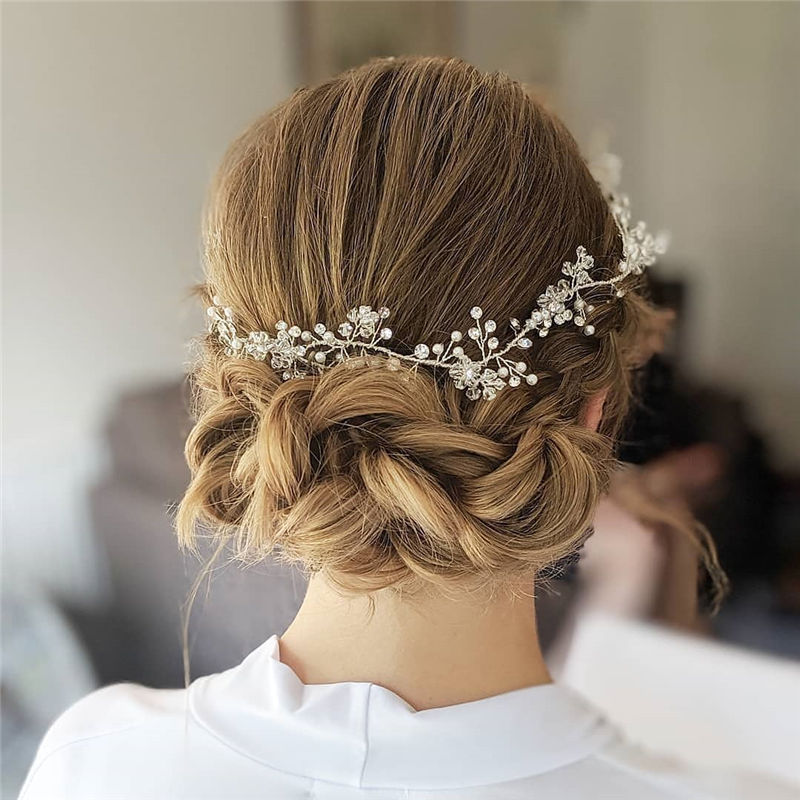 Lovely Wedding Hairstyles You'll Love for 2020-42