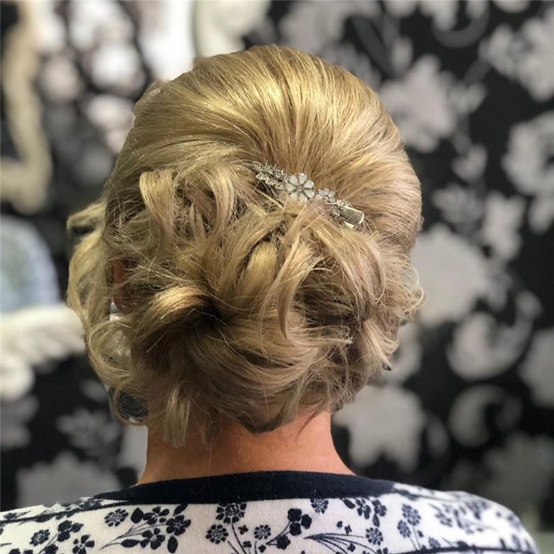 Lovely Wedding Hairstyles You'll Love for 2020-43