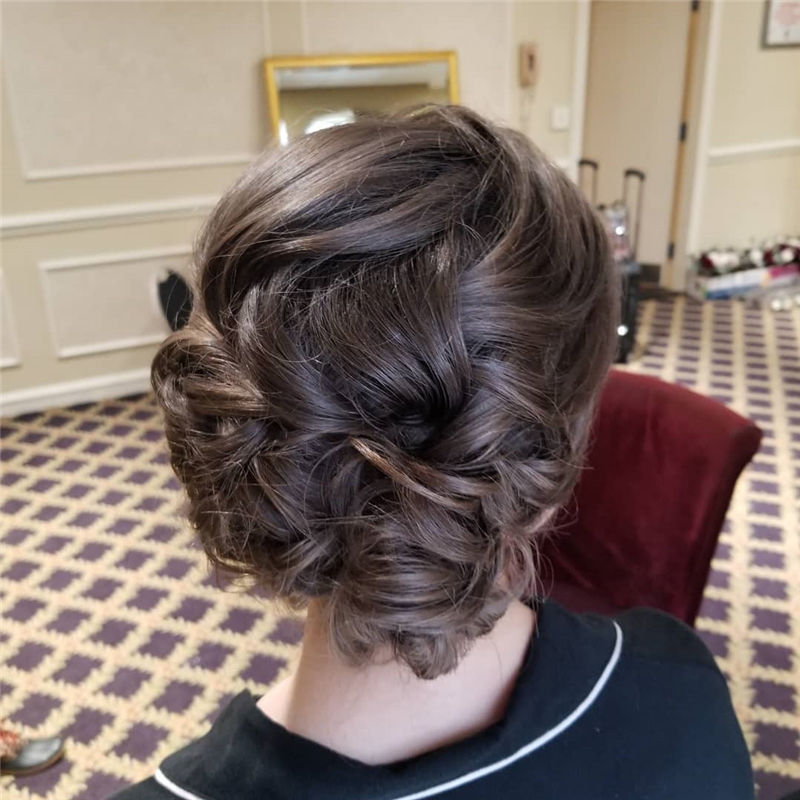 Lovely Wedding Hairstyles You'll Love for 2020-48