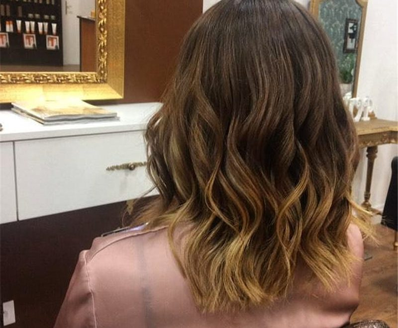 Most Trending Medium Haircuts for Women 2020-09