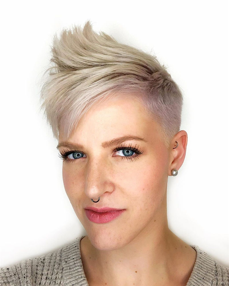 Amazing Pixie Cuts to Look Cool This Year-09