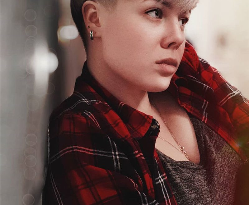 Amazing Pixie Cuts to Look Cool This Year-29