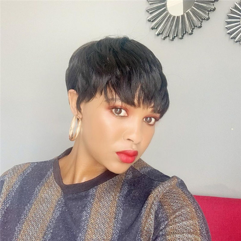 Amazing Pixie Cuts to Look Cool This Year-32