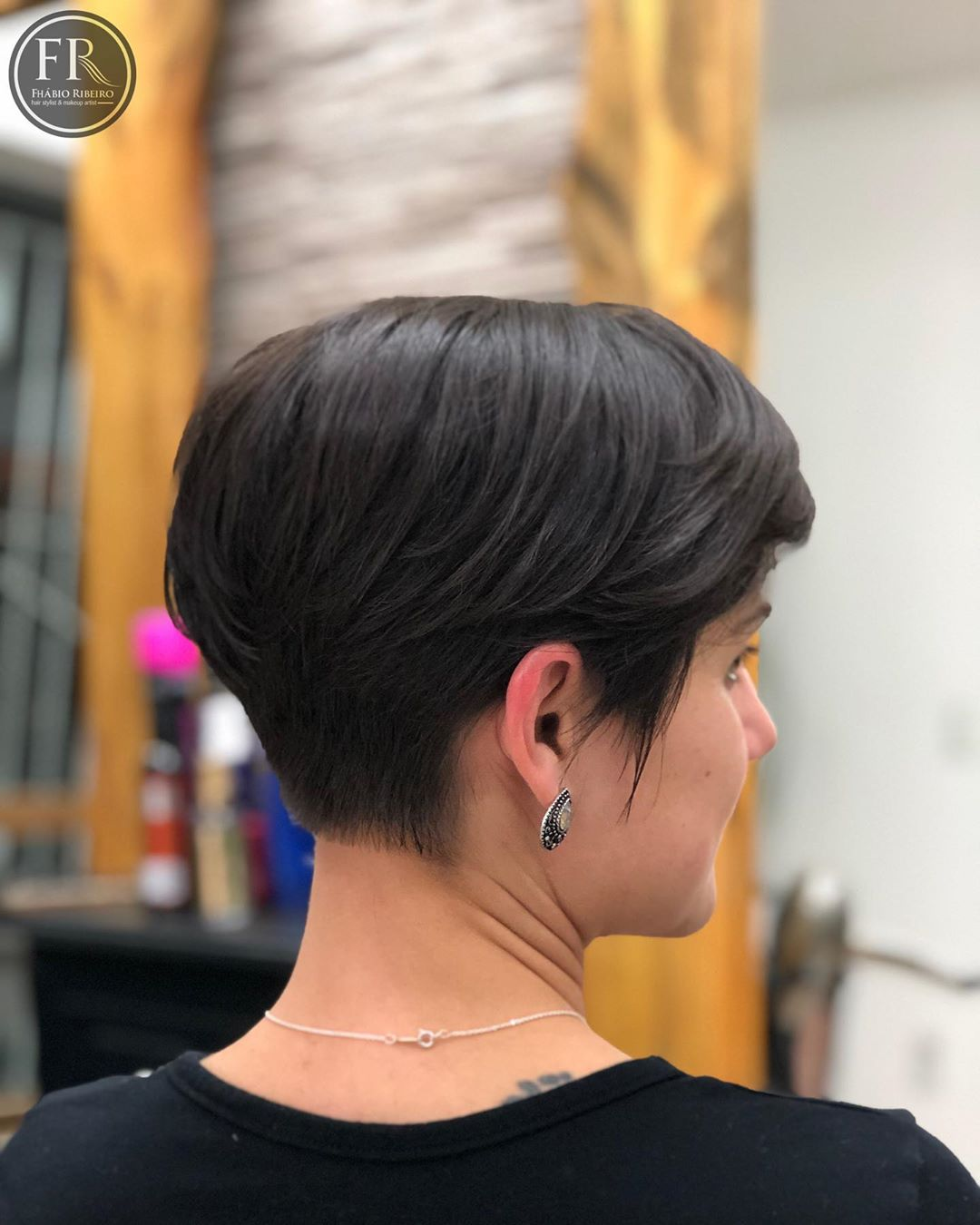 Amazing Pixie Cuts to Look Cool This Year-35