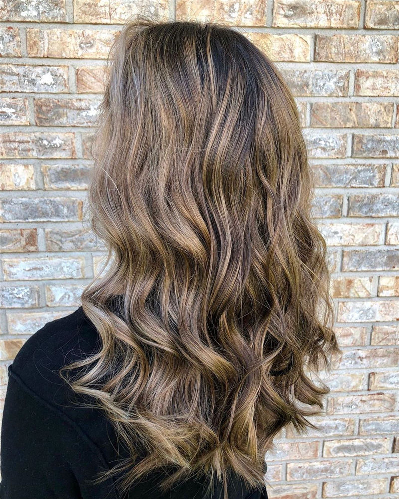 Best Medium Hairstyles That Make You Look Younger-37