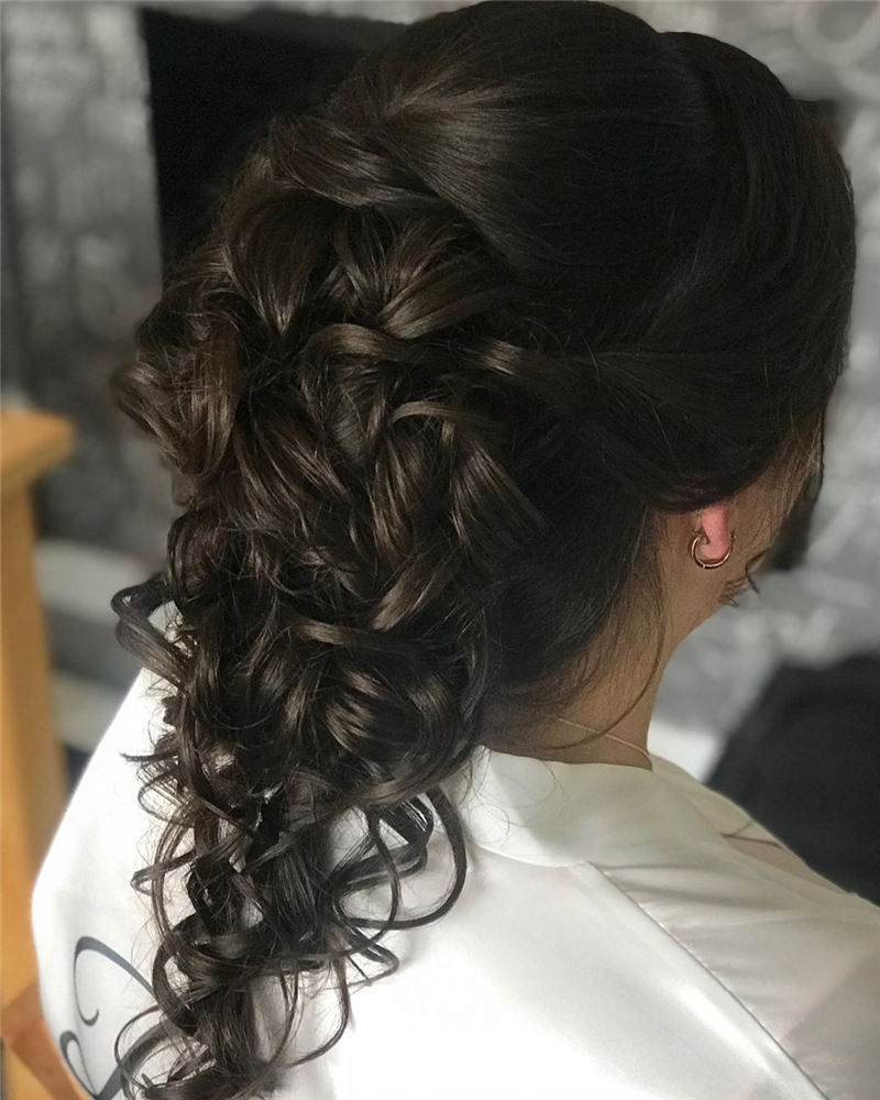Best Wedding Hairstyles that Are Great for Big Day-18
