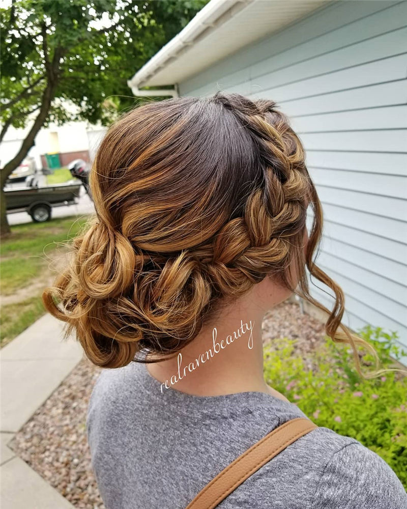 Best Wedding Hairstyles that Are Great for Big Day-41