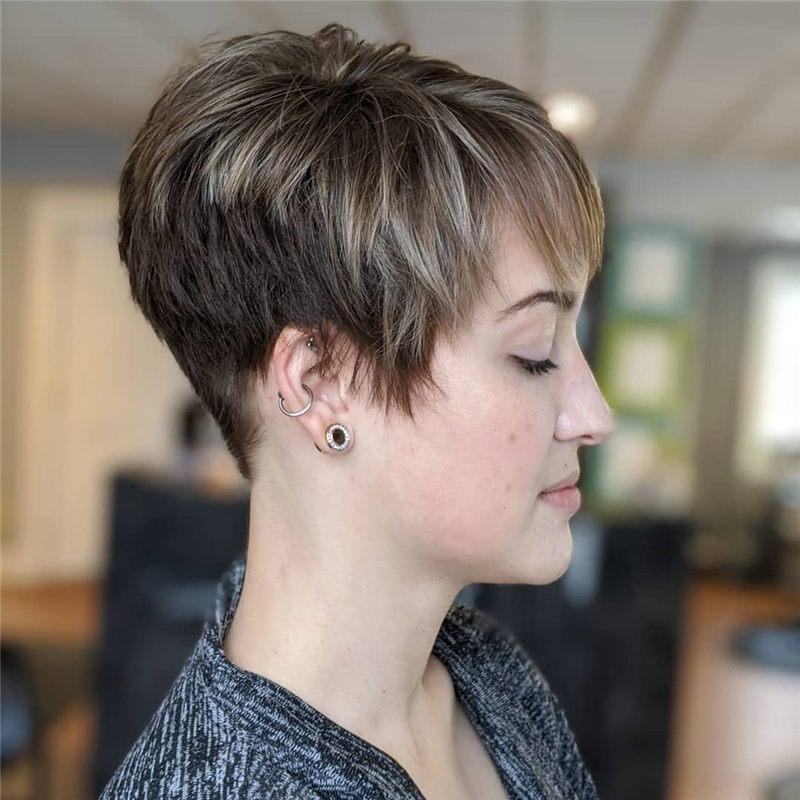 Darn Cool Pixie Cuts That You'll Want To Get-47