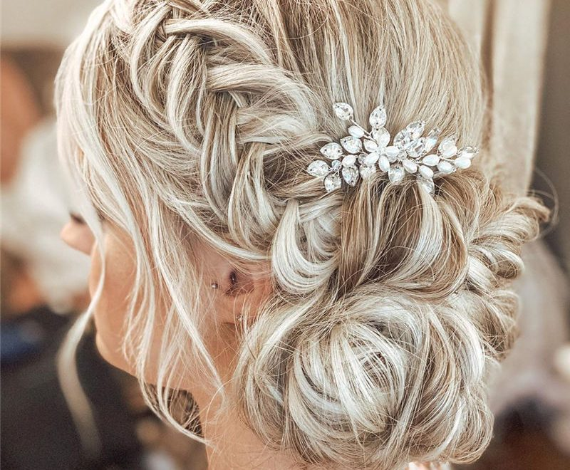 Lovely Wedding Hairstyles to Consider This Year 33