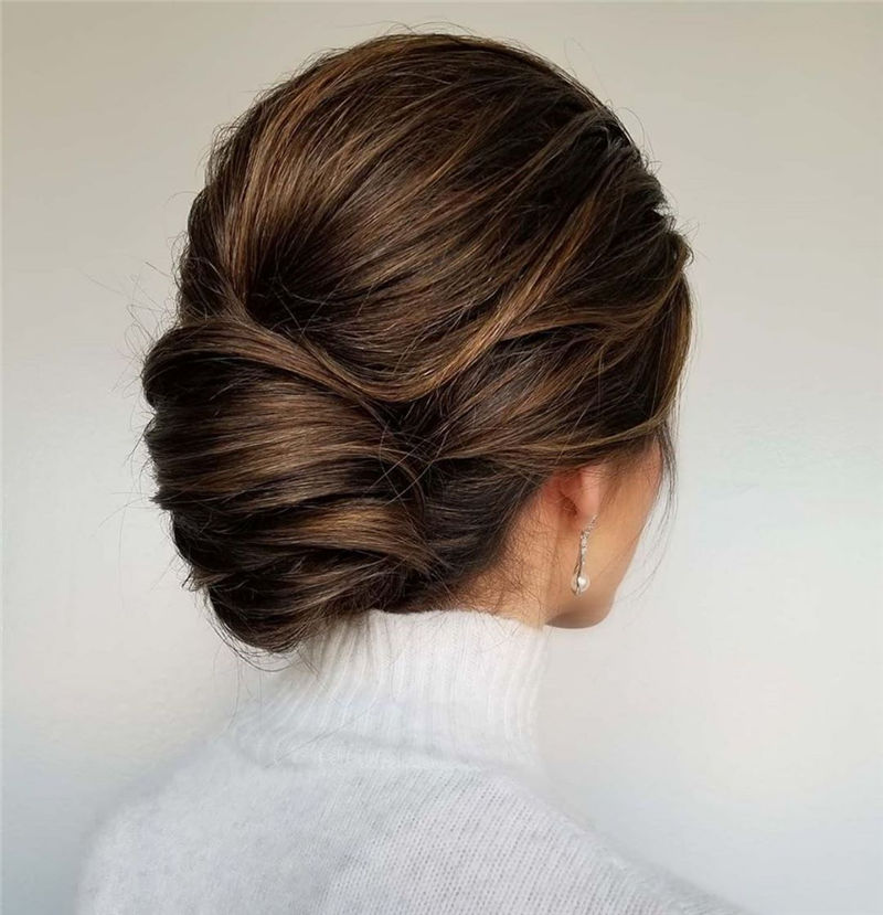 Modern Updos You'll Love to Wear in 2020-04