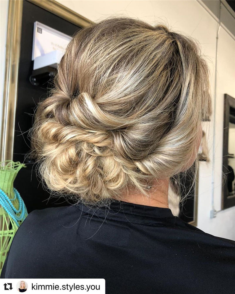 Modern Updos You'll Love to Wear in 2020-14
