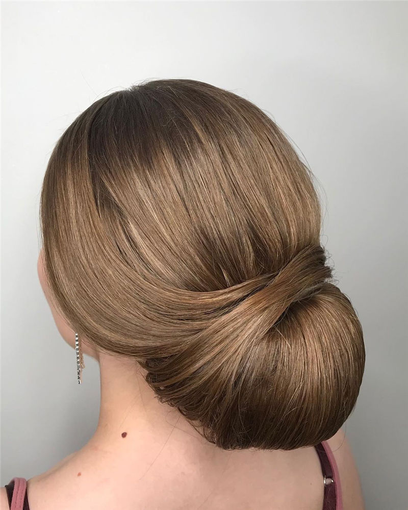 Modern Updos You'll Love to Wear in 2020-24