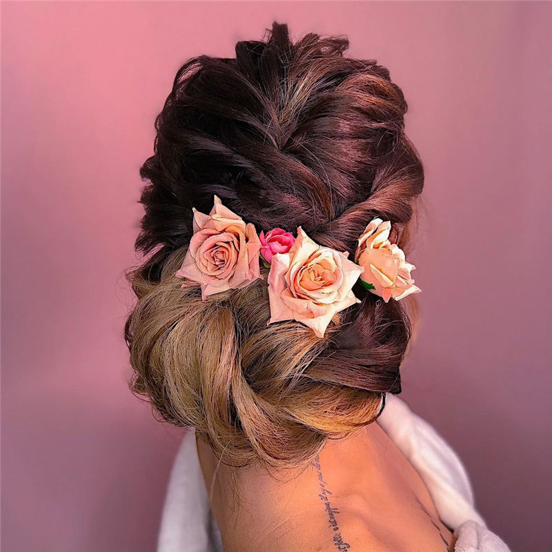 Modern Updos You'll Love to Wear in 2020-26