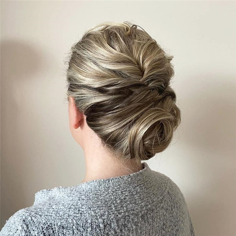Modern Updos You'll Love to Wear in 2020-32