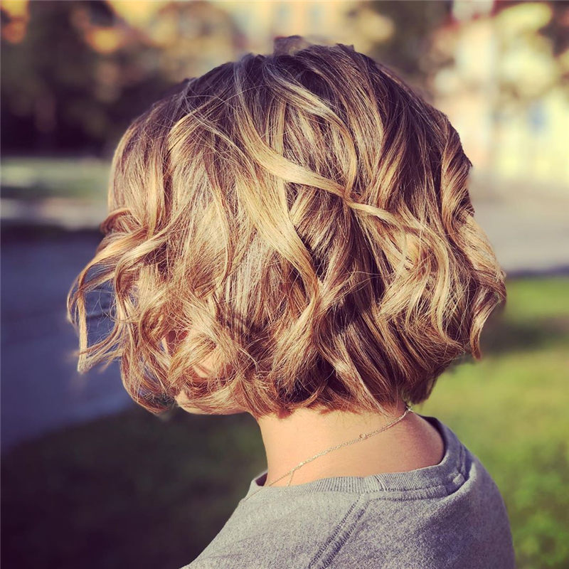Perfect Short Bob Haircuts Ideas to Build Your Own-16