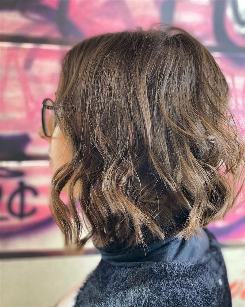 Perfect Short Bob Haircuts Ideas to Build Your Own-23