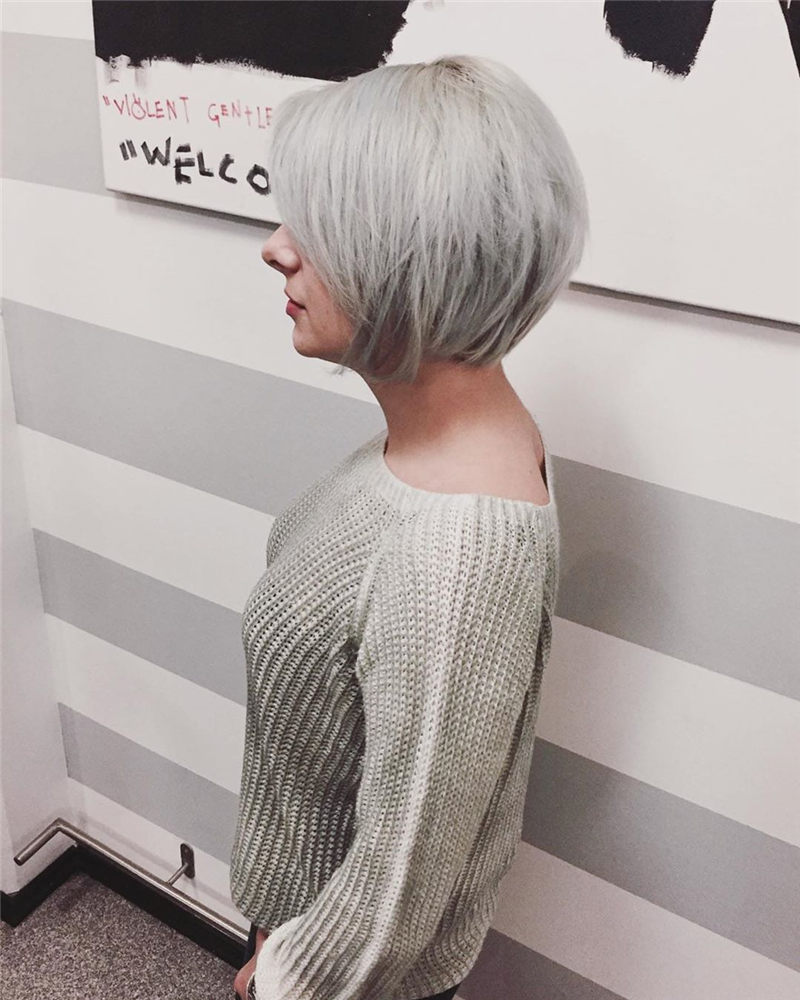 Really Popular Short Grey Haircuts to Look Stylish-05