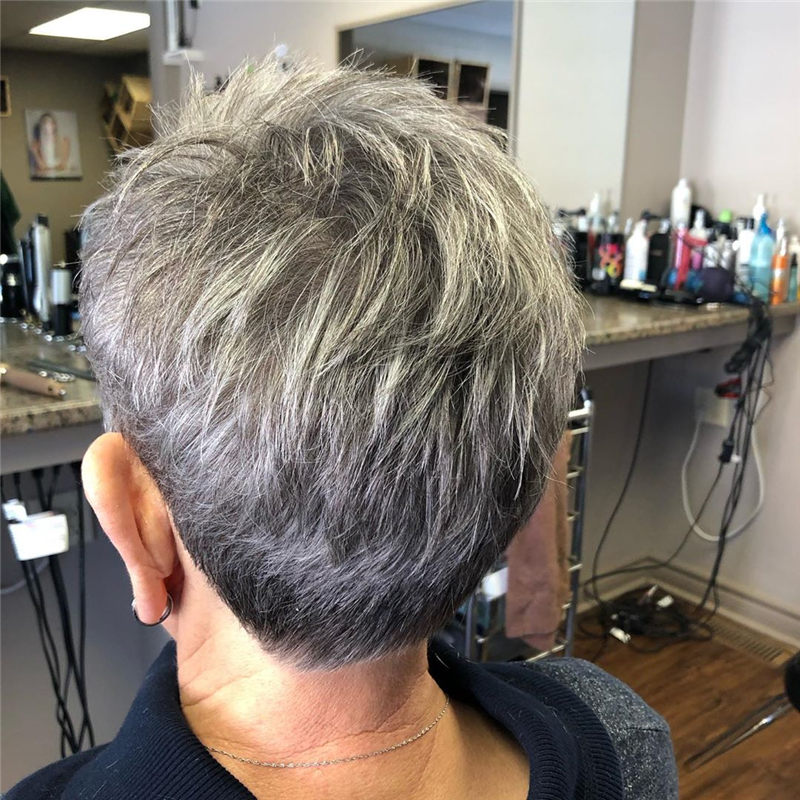 Really Popular Short Grey Haircuts to Look Stylish-25