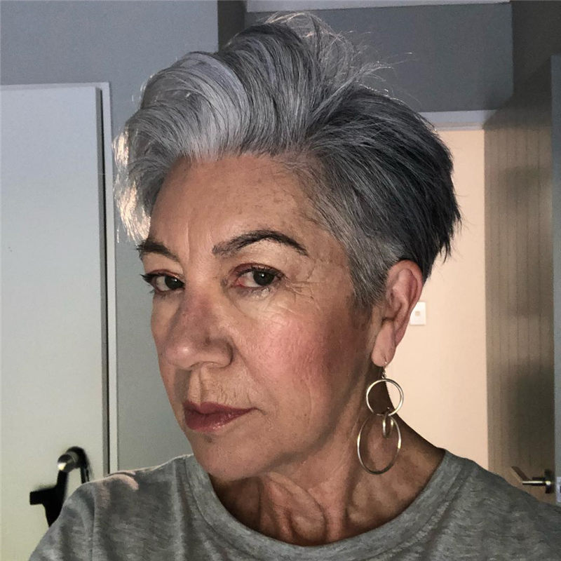 Really Popular Short Grey Haircuts to Look Stylish-34