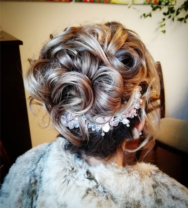 Stunning Wedding Hairstyles for Women That Are Great 01