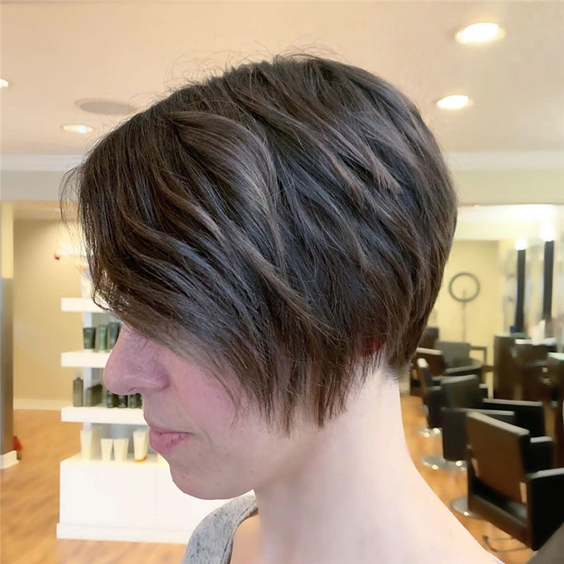 The Latest Pixie Haircuts For A Trendy Look-16