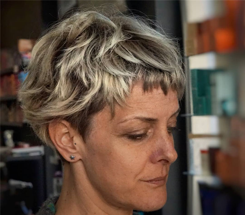 The Latest Pixie Haircuts For A Trendy Look-21