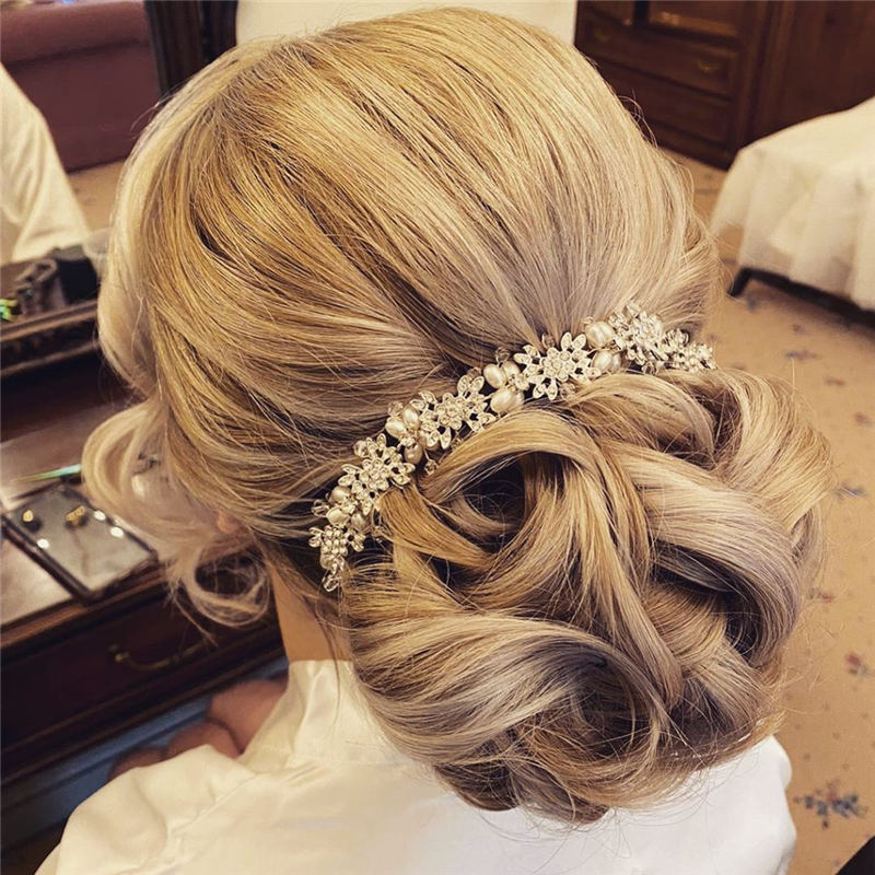 Best Wedding Hairstyles For Every Bride to Copy in 2020 03