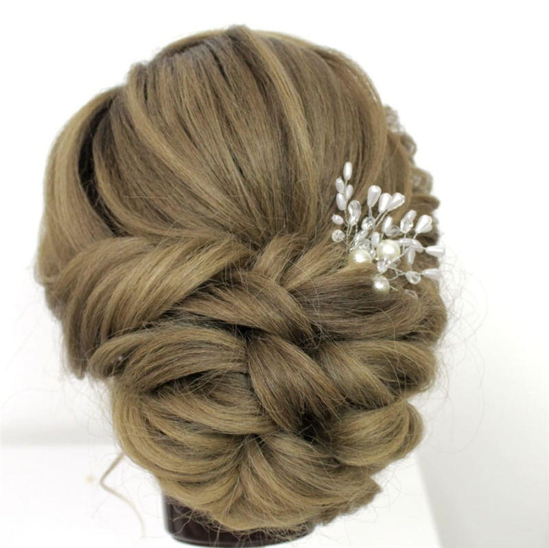 Best Wedding Hairstyles For Every Bride to Copy in 2020 23