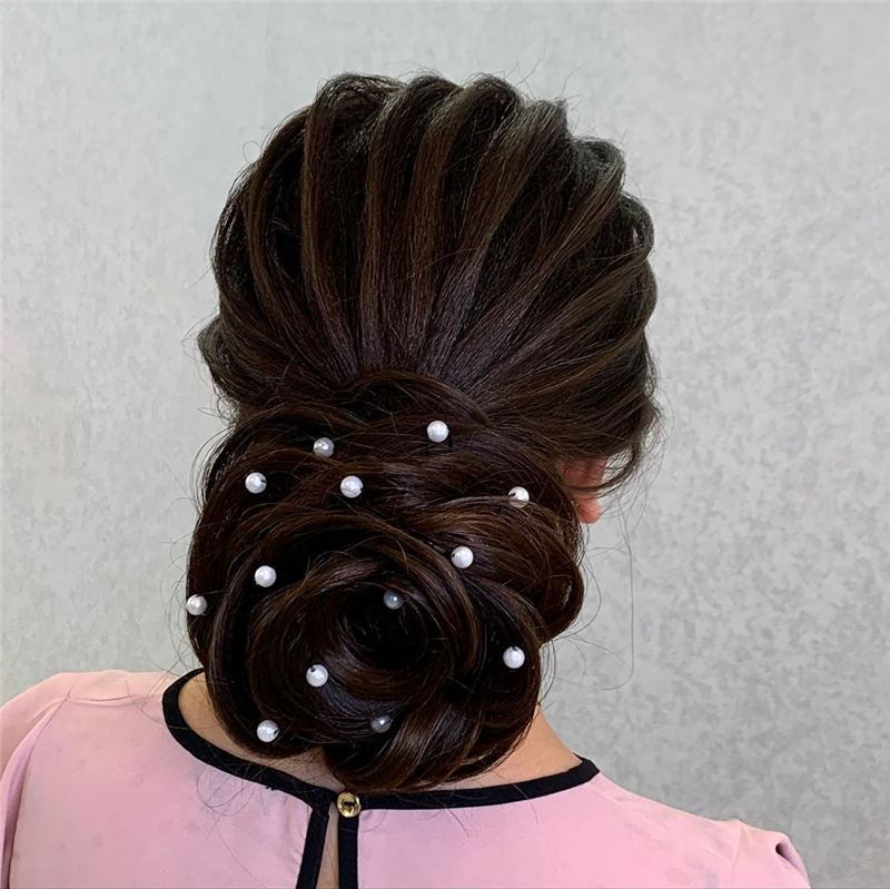 Best Wedding Hairstyles For Every Bride to Copy in 2020 25