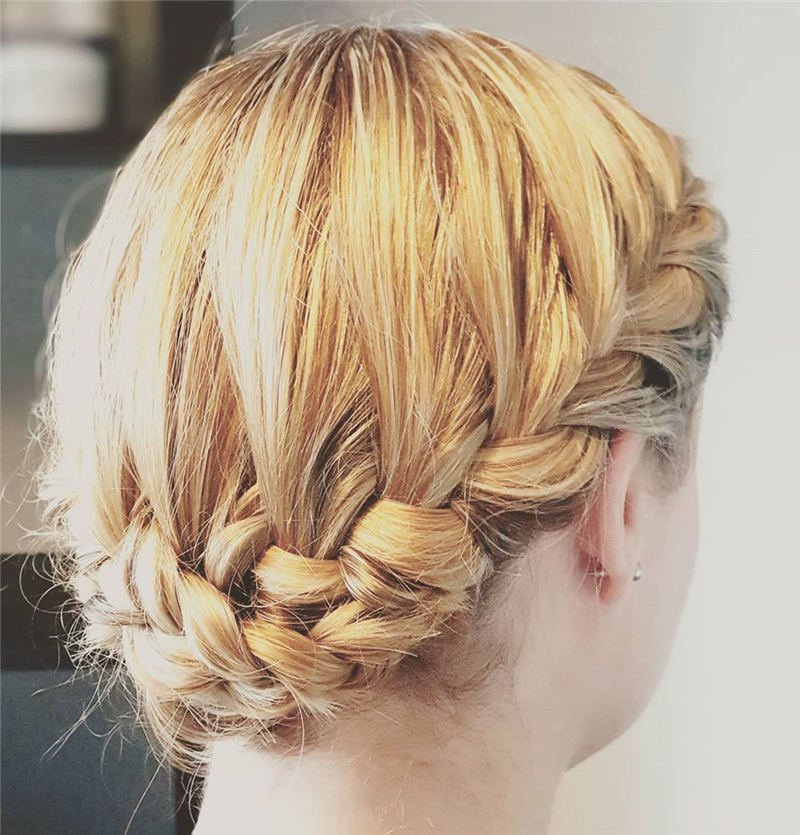 Best Wedding Hairstyles For Every Bride to Copy in 2020 28