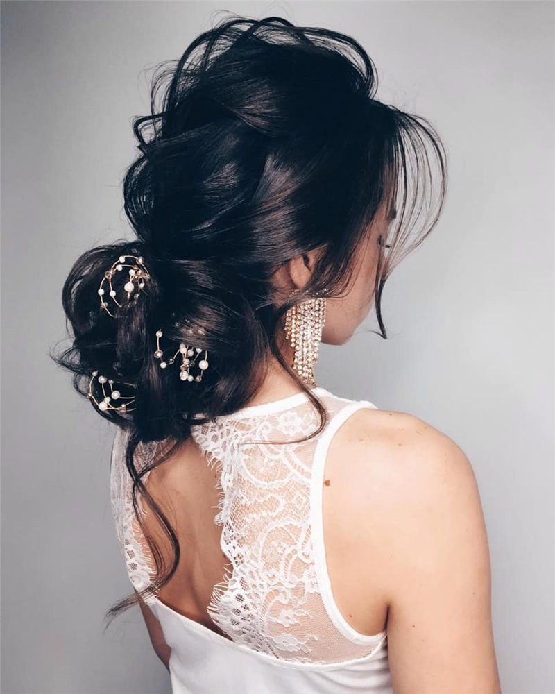 Best Wedding Hairstyles For Every Bride to Copy in 2020 32