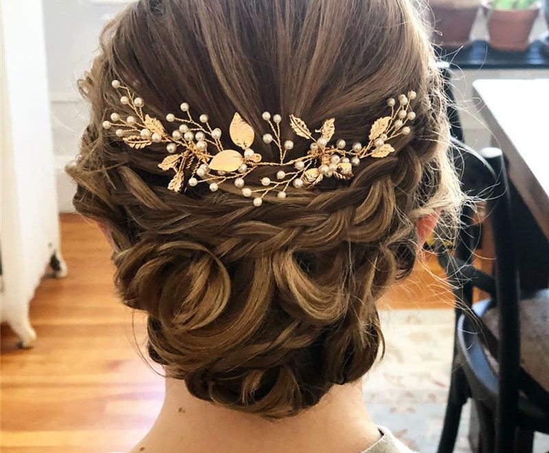 Best Wedding Hairstyles For Every Bride to Copy in 2020 33