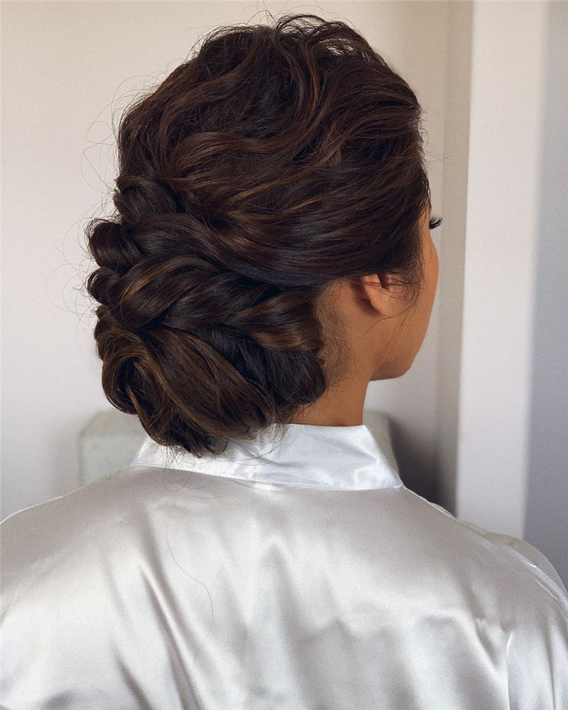 Best Wedding Hairstyles For Every Bride to Copy in 2020 36