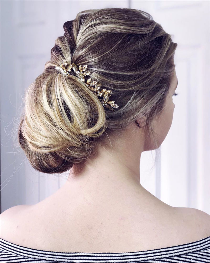 Best Wedding Hairstyles For Every Bride to Copy in 2020 37