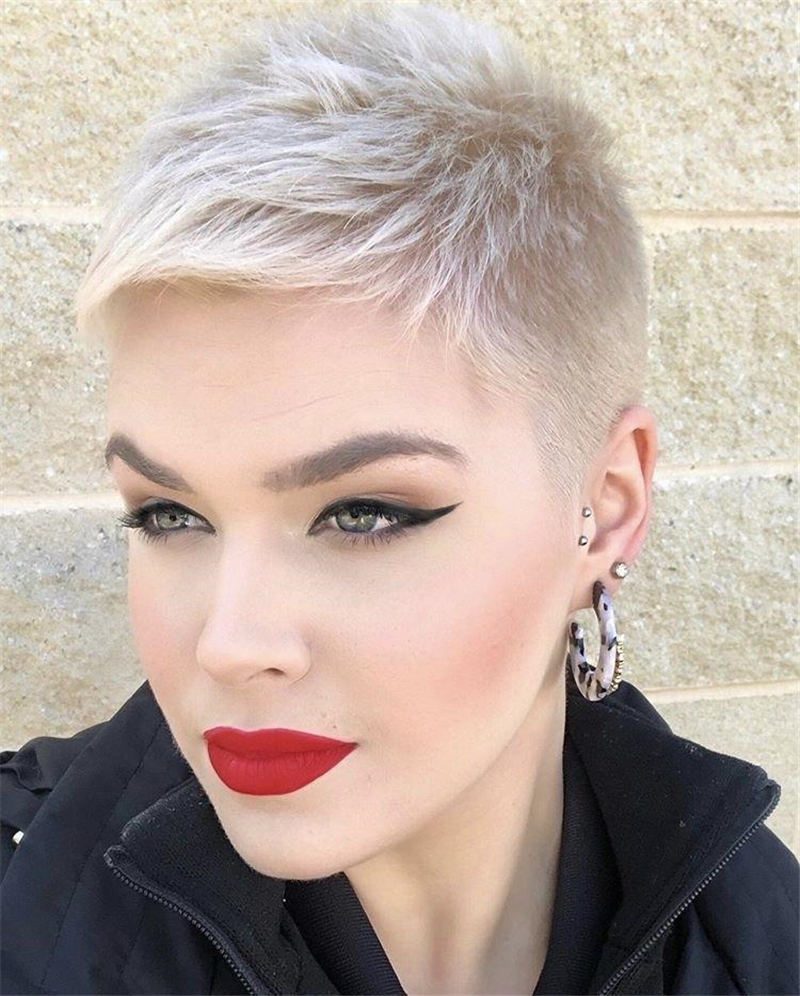 Cool Short Haircuts You Need to Try This Year 17