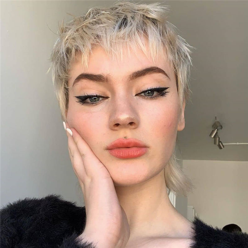 Cool Short Haircuts You Need to Try This Year 44