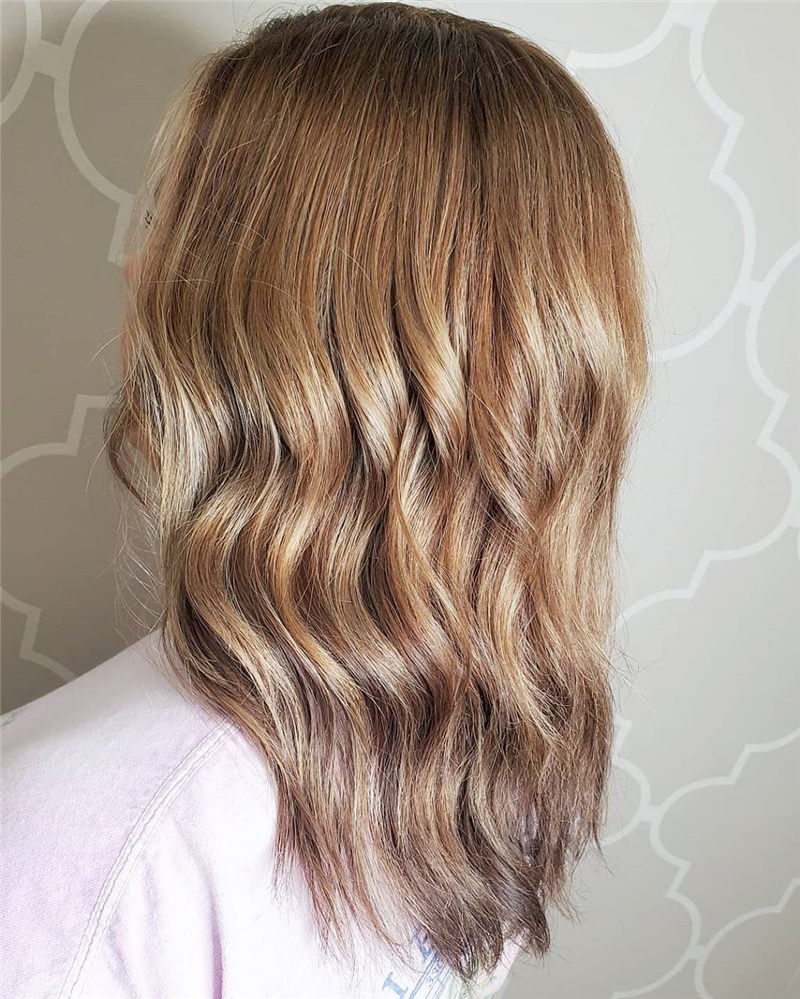 Coolest Medium Haircuts for Women That Are Great 12