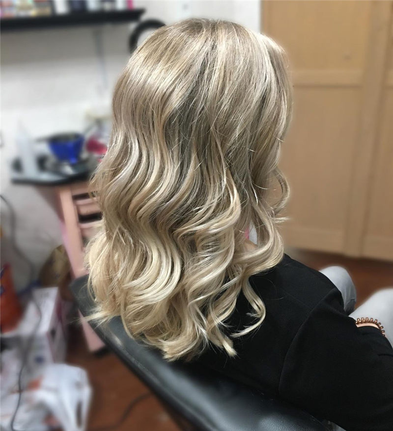 Coolest Medium Haircuts for Women That Are Great 13