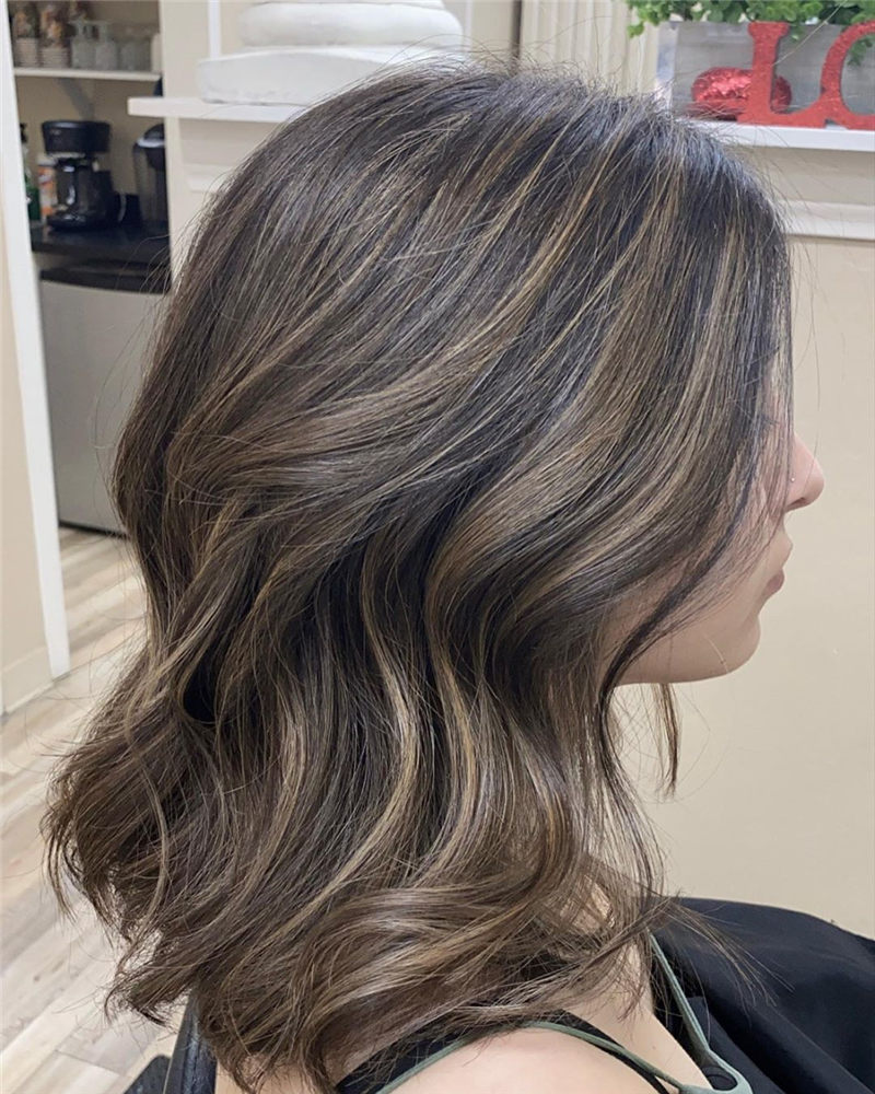 Coolest Medium Haircuts for Women That Are Great 45