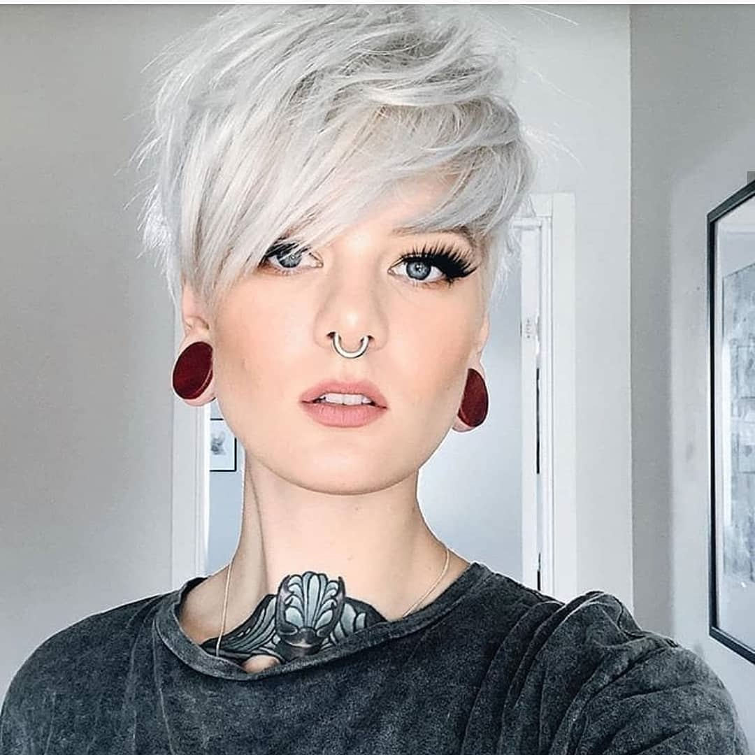 Modern Short Hairstyles You Must Look 34