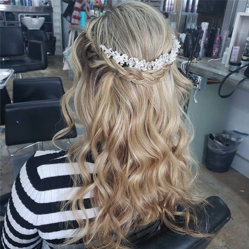 Most Adorable Wedding Hairstyles to Look Stylish for Big Day 05