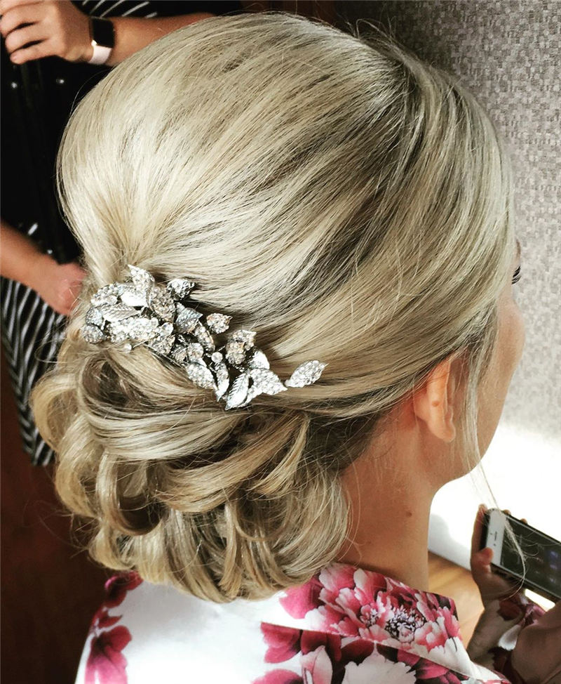 Most Adorable Wedding Hairstyles to Look Stylish for Big Day 19