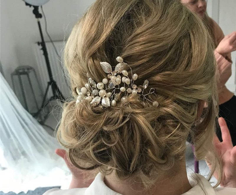 Most Adorable Wedding Hairstyles to Look Stylish for Big Day 35