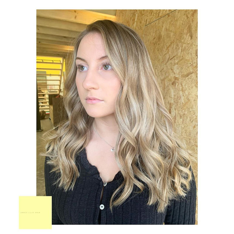 Most Popular Medium Length Hairstyles You Can Copy 11