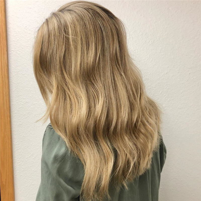 Most Popular Medium Length Hairstyles You Can Copy 19