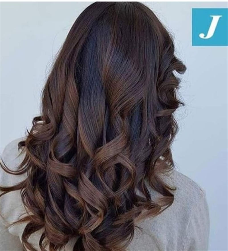 Most Popular Medium Length Hairstyles You Can Copy 20