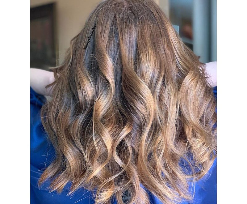 Most Popular Medium Length Hairstyles You Can Copy 33