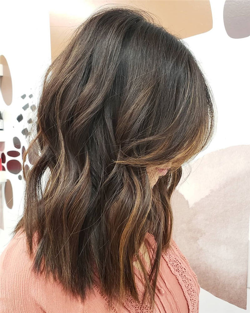Most Popular Medium Length Hairstyles You Can Copy 34