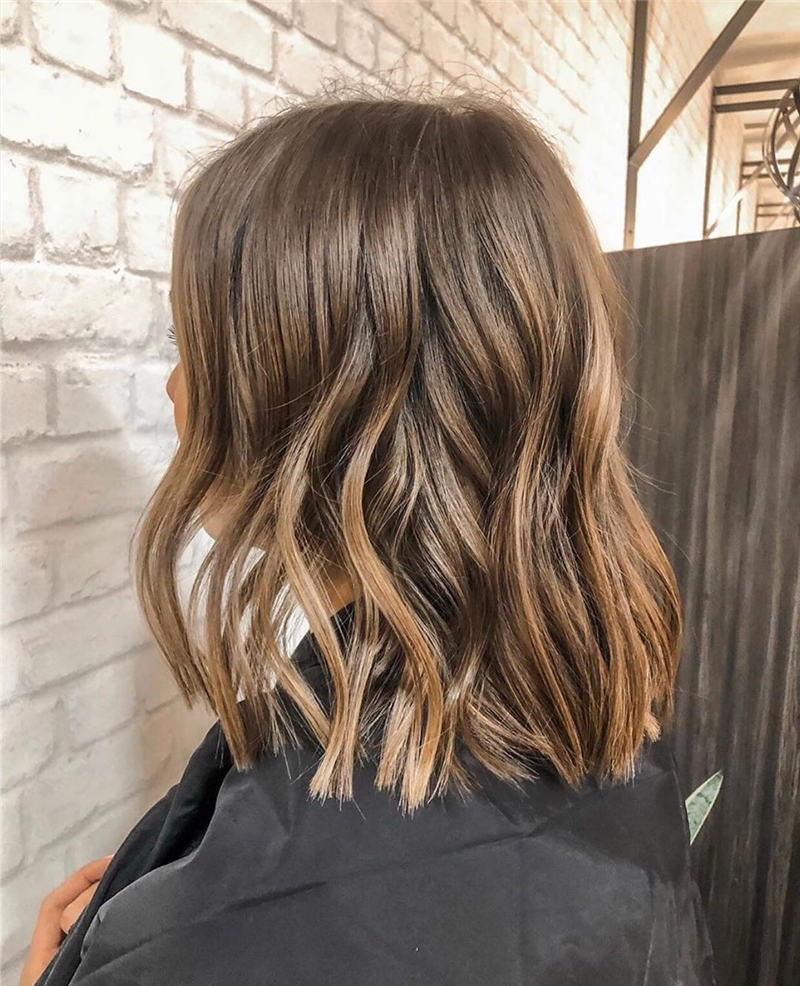 Most Popular Medium Length Hairstyles You Can Copy 44