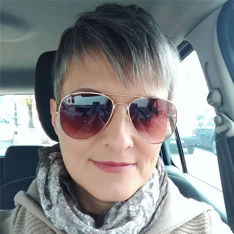 Pretty Short Grey Haircuts You Should Try Now 10